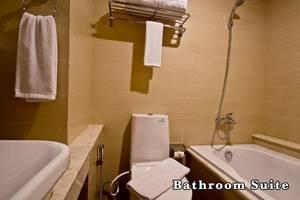 Green Batara Hotel Bandung - Bathroom Suite