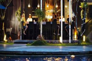 Prime Plaza Suites Sanur Bali - Bar