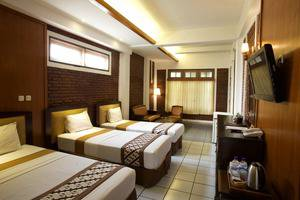 Paku Mas Hotel Yogyakarta - Triple pool