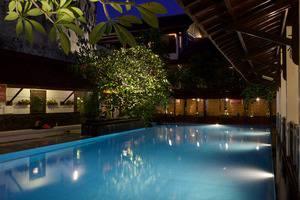 Paku Mas Hotel Yogyakarta - Kolam renang