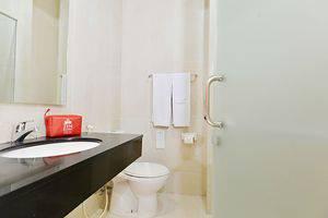 ZenRooms Pasteur Babakan Jeruk - Kamar mandi