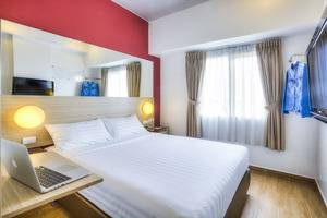 Red Planet Surabaya - Double Bed
