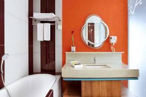 Grand Livio Kuta Hotel Bali - Kamar mandi