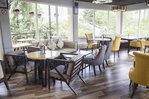 Tinggal Premium at Gatot Subroto Barat Denpasar - Restoran