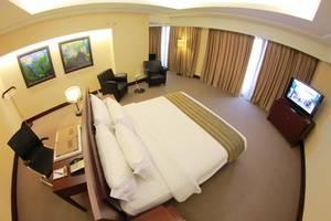 Merlynn Park Hotel Jakarta - Armani Suite