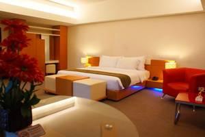 Merlynn Park Hotel Jakarta - Prada Suite