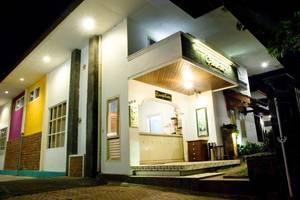 Villa Family Hotel Gradia Malang - Tampak depan