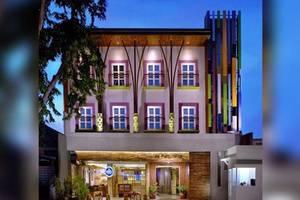 De Puri Boutique Hotel Surabaya - Eksterior