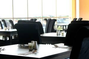 Hotel Gunawangsa MERR Surabaya - Restoran