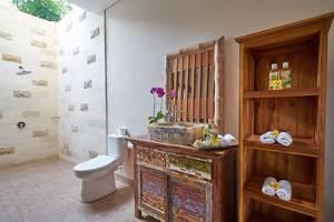 Desak Putu Putera Cottage Bali - Kamar mandi