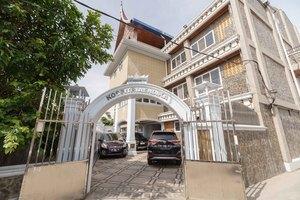 RedDoorz Plus Syariah near RSUP Dr. M. Djamil Padang
