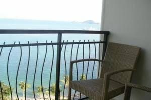 Laprima Hotel Flores - View