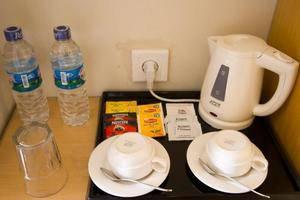 Laprima Hotel Flores - Coffee & Tea Maker