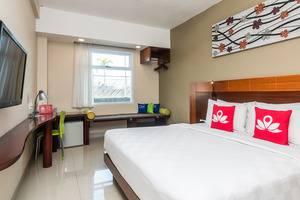 ZEN Premium Tuban Airport Bali - Tempat Tidur Double
