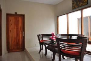 Nirvana Inn 2 Yogyakarta - Balkon