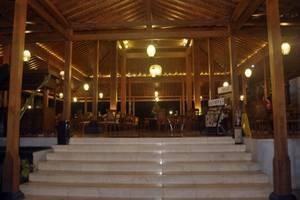Gambir Anom Hotel & Villa  Solo - Restaurant