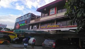 Hotel Prima Padang Padang - Exterior