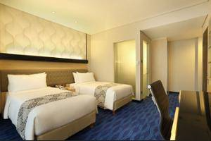 Holiday Inn Express Thamrin Jakarta - Hotel Entrance