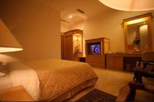 Sahira Butik Hotel Bogor - Staircase
