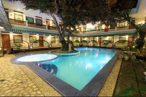 Sahira Butik Hotel Bogor - Outdoor Pool