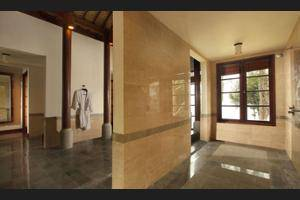 Puri Candikuning Bedugul - Bathroom