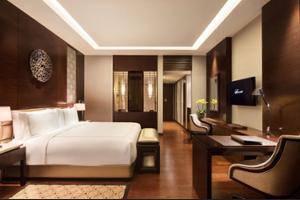 Fairmont Hotel Jakarta - Guestroom