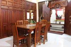 Griya Yunika Homestay Yogyakarta - Ruang makan malam