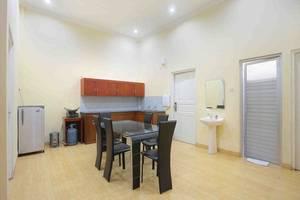 Imelda Hotel Padang - Villa Ruang Makan