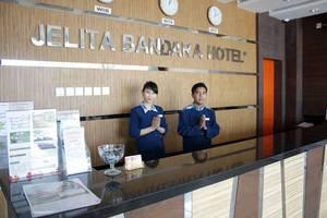 Jelita Bandara Hotel Banjarbaru - Resepsionis