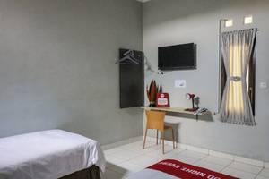 NIDA Rooms Tata Bumi Godean - Kamar tamu