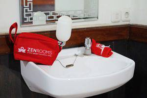 ZEN Rooms Hegarmanah Secapa Bandung - Kamar mandi