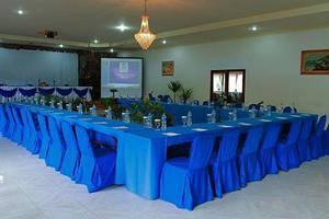 Inna Parapat Parapat - Ruang Rapat