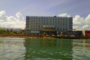 D Maleo Hotel Makassar - Tampilan Luar Hotel