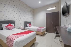 OYO 928 Hotel Astra Novilia
