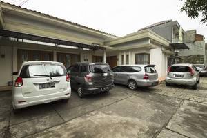 RedDoorz near Pejaten Village Jakarta - Eksterior
