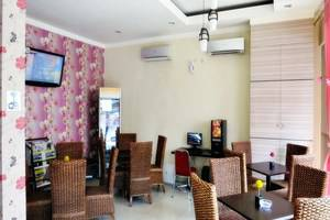 Vindhika Hotel Makassar - Loby dan cafe