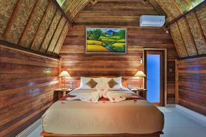 Mamaras Guest House