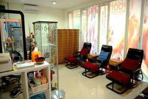 High Point Surabaya - Salon