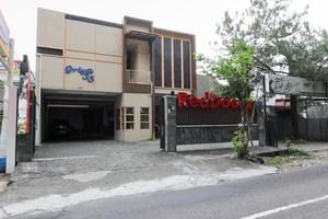 RedDoorz near Terminal Condong Catur 2