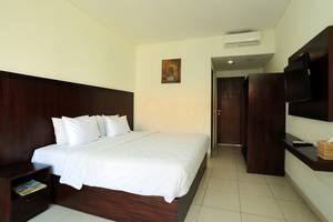 RedDoorz near Gelael Kuta Bali - Bedroom