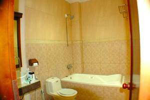 Hotel Pacific Surabaya - Kamar mandi