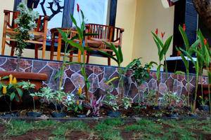 Kenta Homestay Bali - Taman