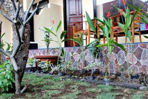 Kenta Homestay Bali - Teras