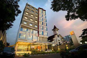 V Hotel Jakarta - Exterior