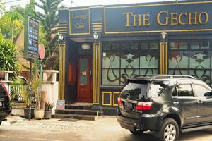 The Gecho Inn Town