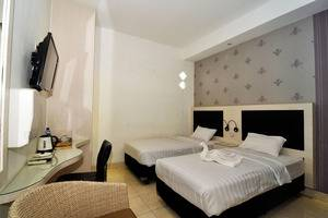 MGriya Guest House Purwokerto - Superior bed dua
