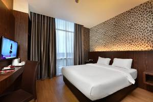 The Crew Hotel Kno Medan - Business Class King Bed