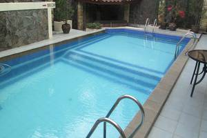 Scarlet Bukit Pakar Hotel Bandung - Kolam Renang