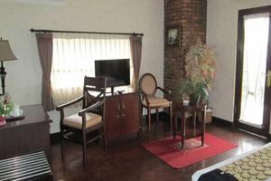 Scarlet Bukit Pakar Hotel Bandung - Kamar tamu