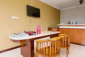 ZEN Premium Canggu Batu Villa Bali - Resepsionis